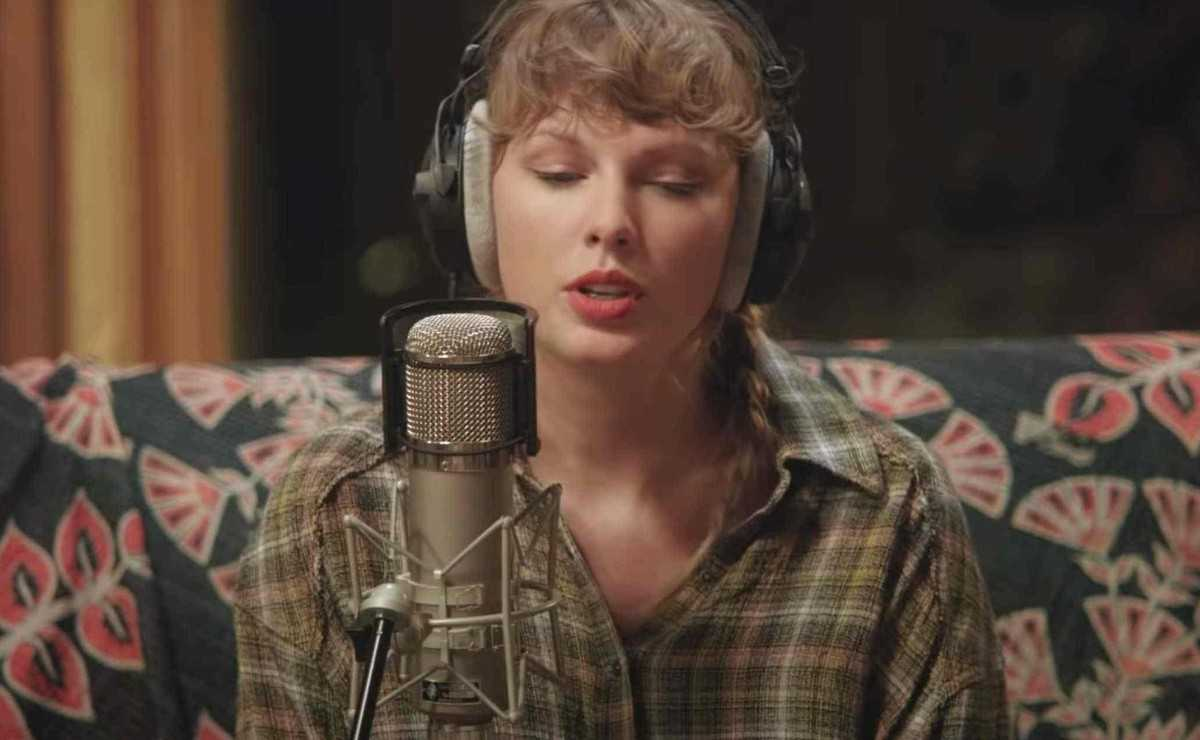 Taylor Swift réfléchit à son ancien style de composition musicale