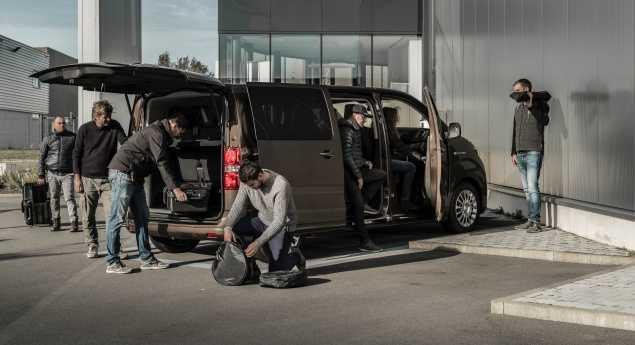 Toyota. La Première Publicité électrique Sera Le Proace Verso