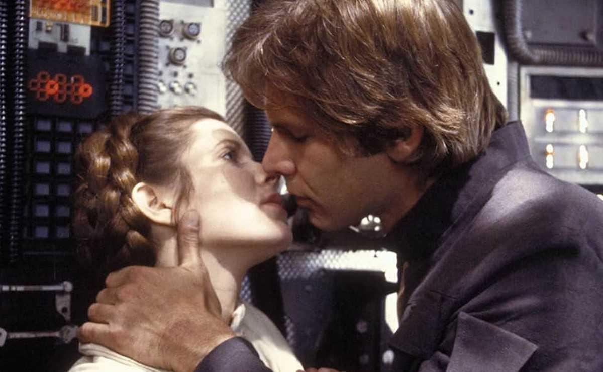 La nouvelle vidéo `` Empire Strikes Back '' montre un baiser alternatif entre Han et Leia