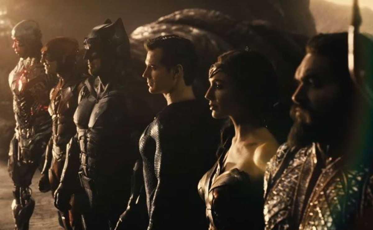 """""""Justice League"""": Zack Snyder fournit des détails sur l'état actuel de la production"""