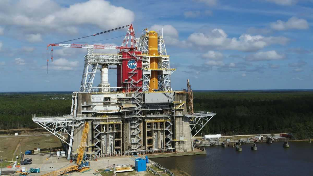Les Tests De Mégarocket De La Nasa Sls Bloqués Par