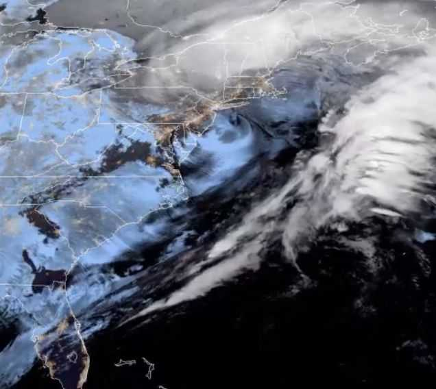 Un Satellite Suit Une Tempête De Neige Hivernale Intense Sur