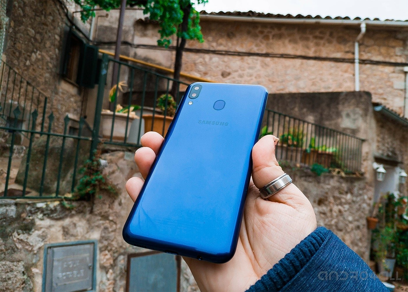 Samsung Galaxy M20 arrière
