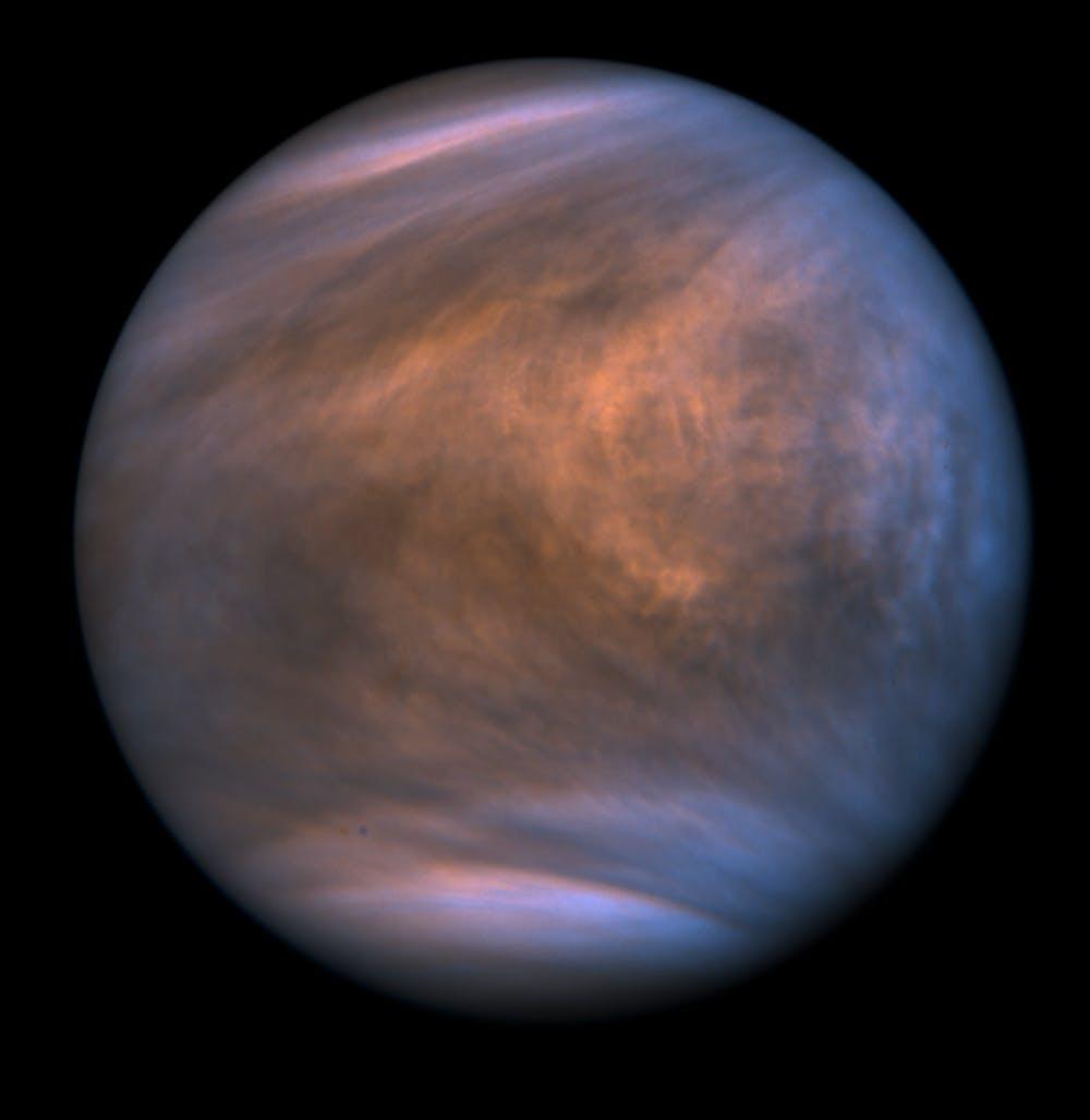 Une vue ultraviolette montre des bandes de nuages dans l'atmosphère de Vénus.