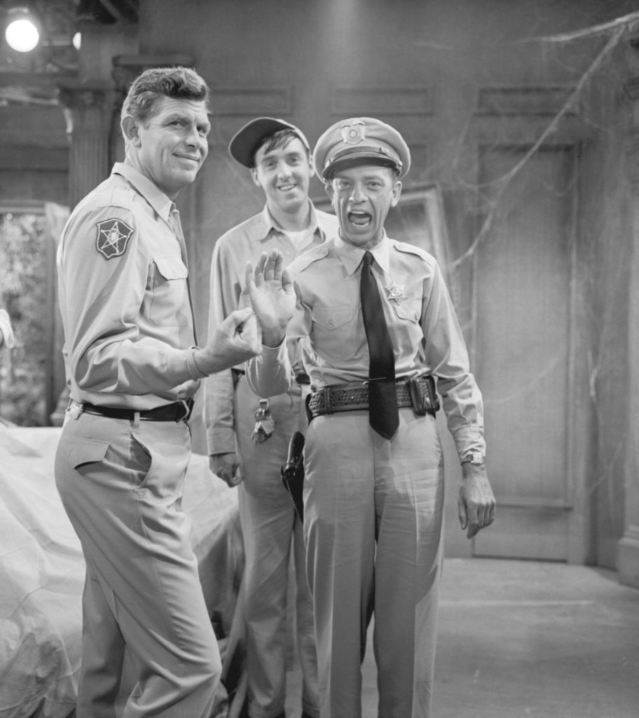 Jim Nabors, au centre, sur le plateau de 'Andy Griffith Show'