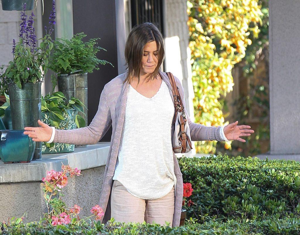 Jennifer Aniston vu filmer une scène pour `` Cake '' à Los Angeles