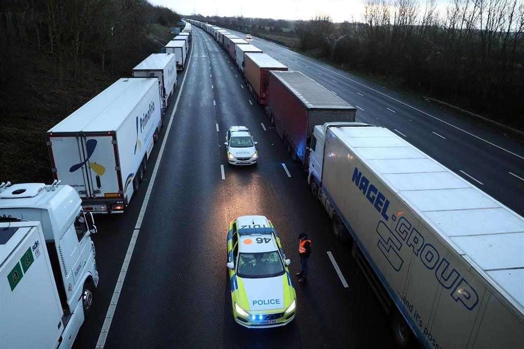 L'embouteillage à La Frontière Anglaise Tombe à Moins De 200