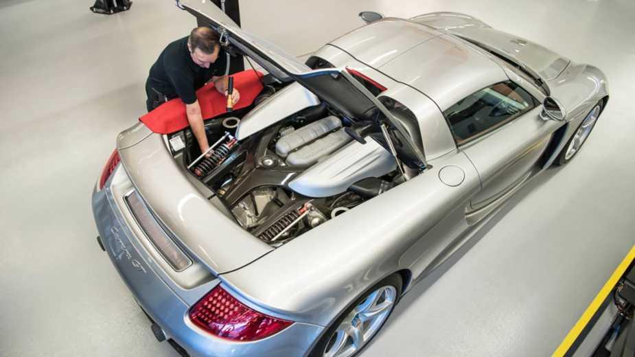 Cette Porsche Carrera Gt A été Démontée Et Assemblée Près