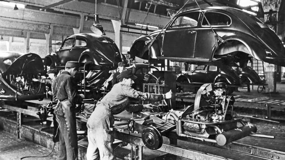 La Production En Série De La Volkswagen Beetle A Commencé