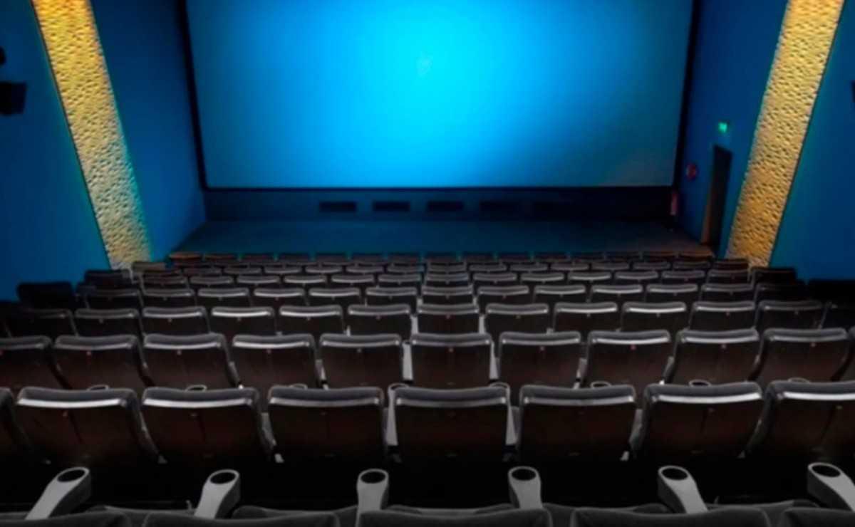Le cinéma et la télévision à Los Angeles «devraient envisager» de ne pas travailler en personne