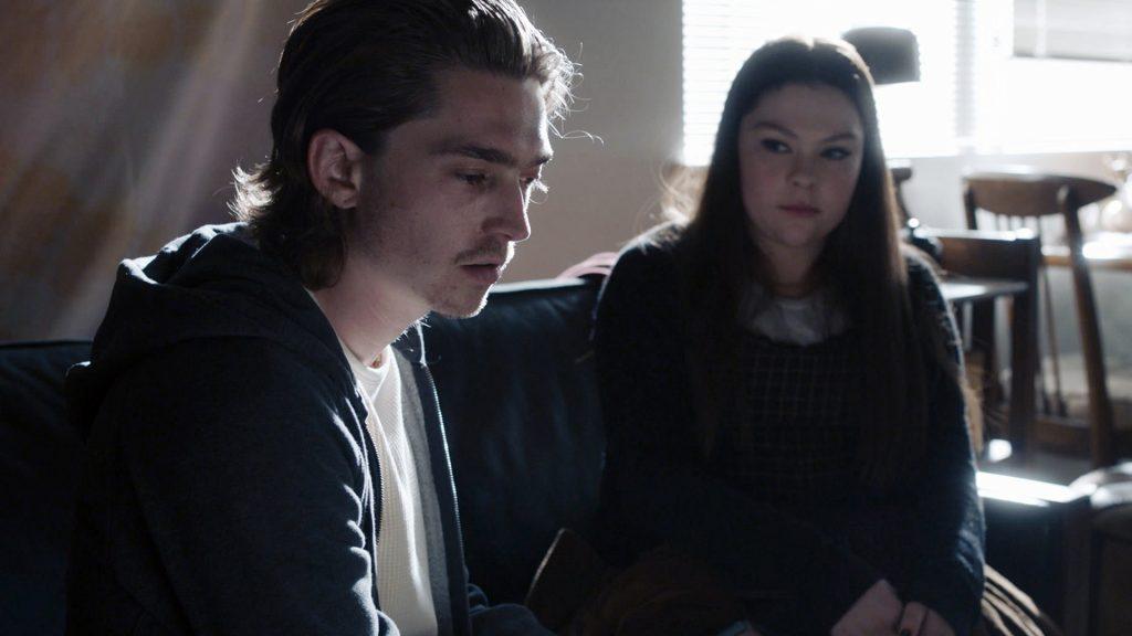 Austin Abrams comme Marc et Hannah Zeile comme Kate dans `` This Is Us '' Saison 5 Episode 5