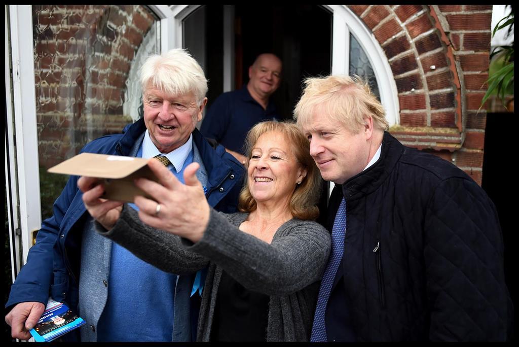 Le Père De Boris Johnson Demande La Nationalité Française