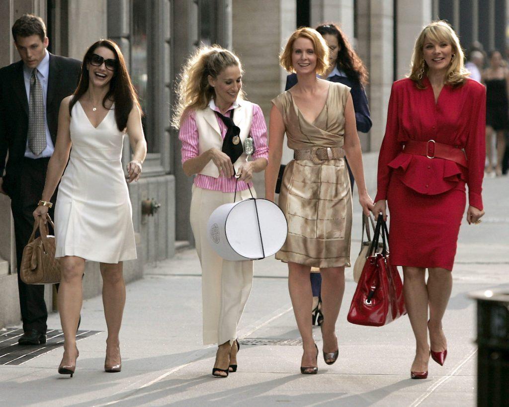 """Kristin Davis comme """"Charlotte"""", Sarah Jessica Parker comme """"Carrie Bradshaw"""", Cynthia Nixon comme """"Miranda"""" et Kim Cattrall comme """"Samantha"""" sur place pour """"Sex and the City: The Movie"""""""