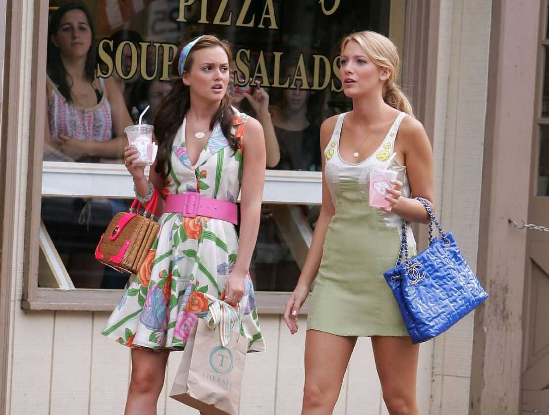 Leighton Meester and Blake Lively filming