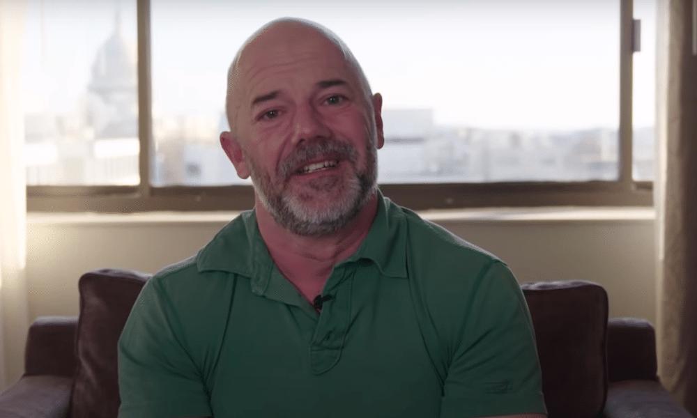 Andrew Sullivan Dit Qu'il `` A Besoin '' De Lesbiennes
