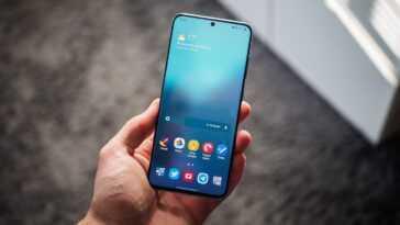 Samsung Galaxy S20, avant