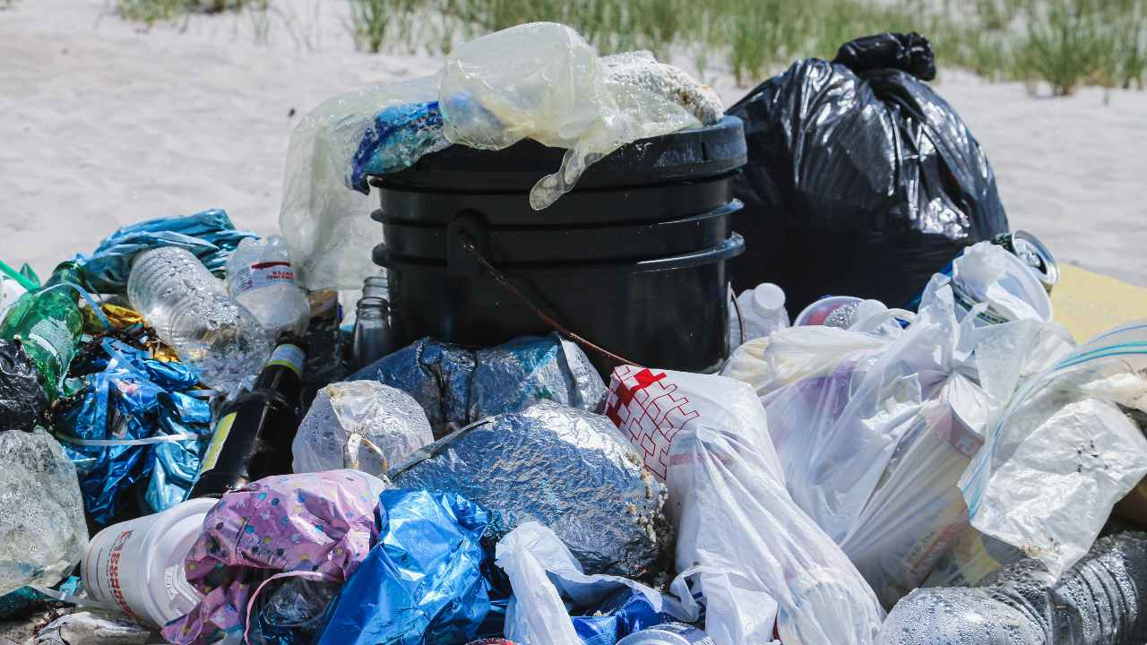 Coca-Cola, PepsiCo et Nestlé sont nommés meilleurs pollueurs plastiques au monde pour la troisième année consécutive