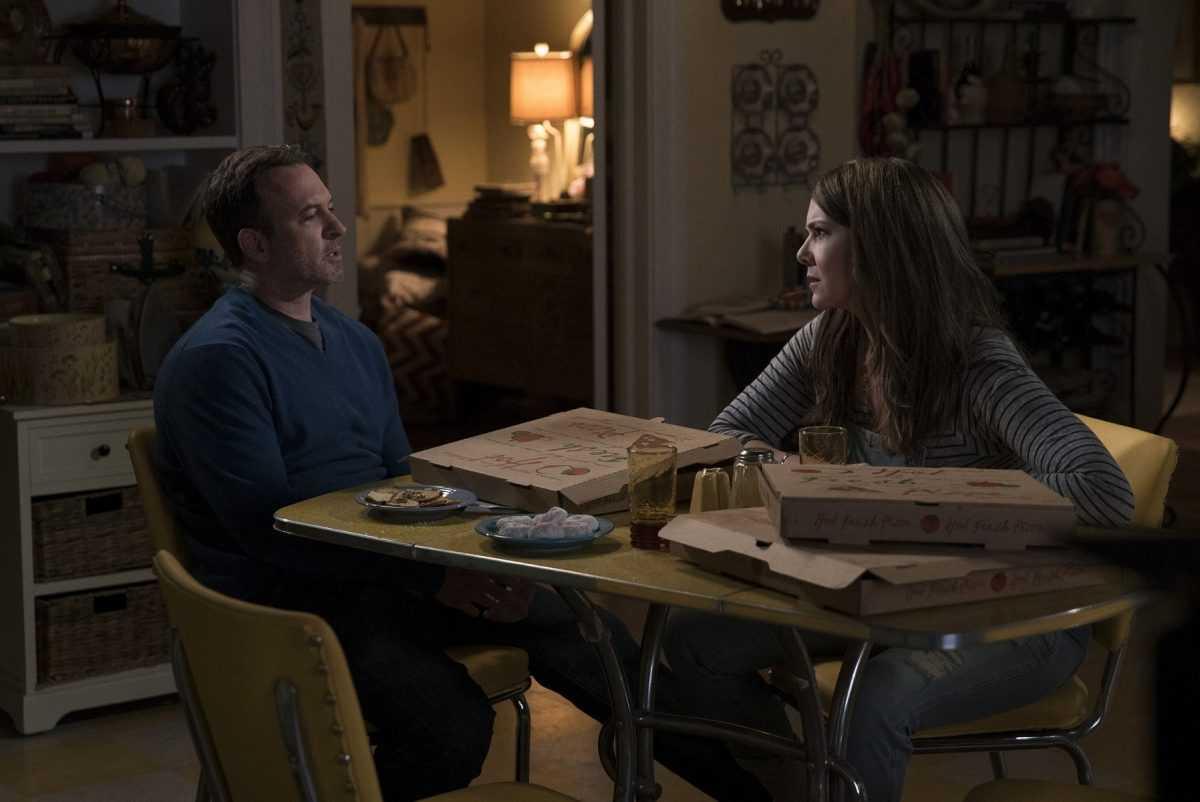 Scott Patterson comme Luke Danes et Lauren Graham comme Lorelai Gilmore