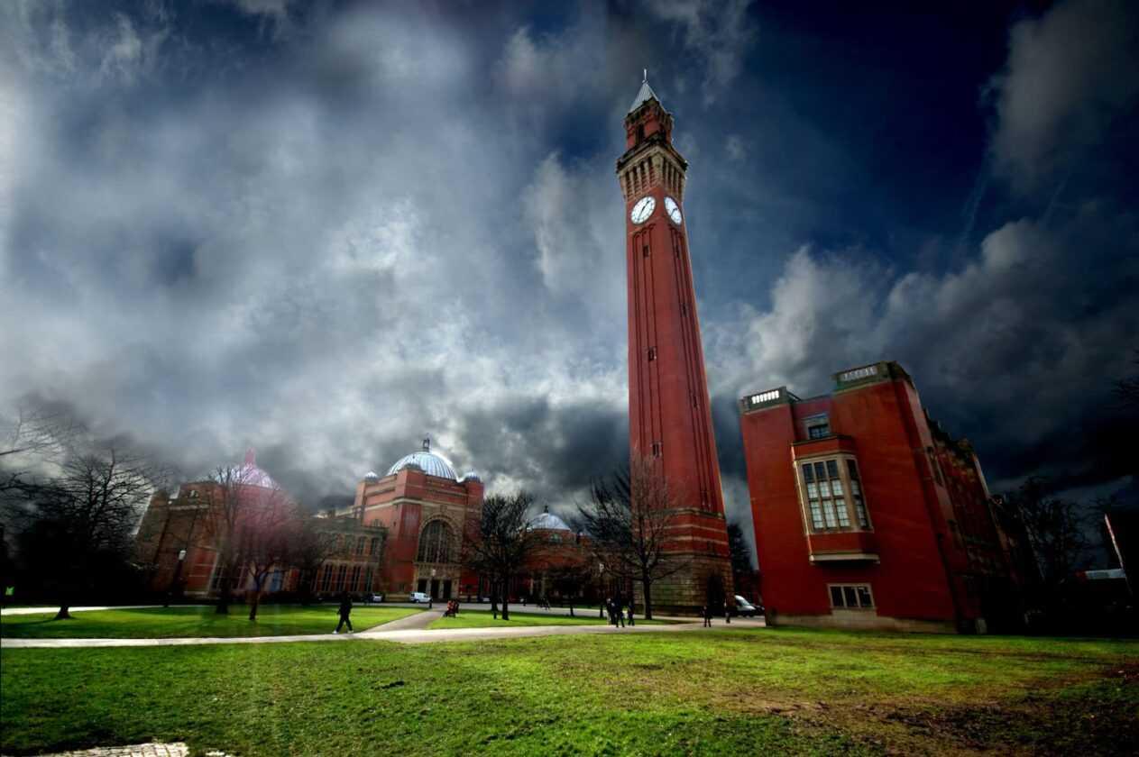 L'université De Birmingham Doit S'excuser Pour La Thérapie De Conversion