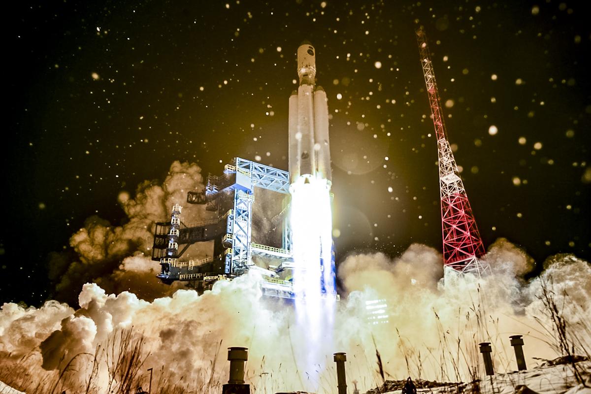 Une fusée russe Angara-A5 lance son deuxième vol d'essai depuis le cosmodrome de Plesetsk, dans le nord de la Russie, le 13 décembre 2020.