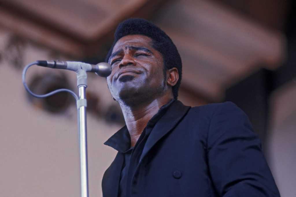 James Brown se produisant au Newport Jazz Festival en 1968.