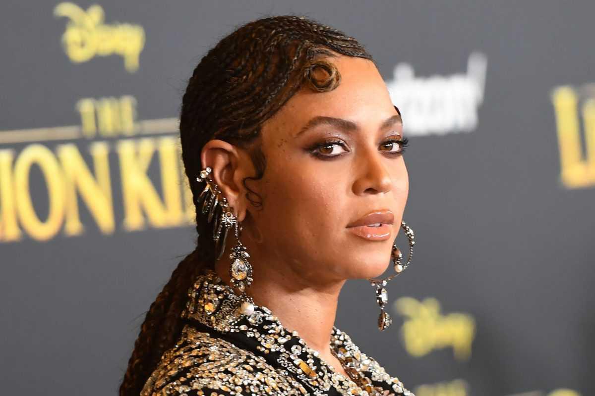 Chanteuse / compositrice américaine Beyoncé