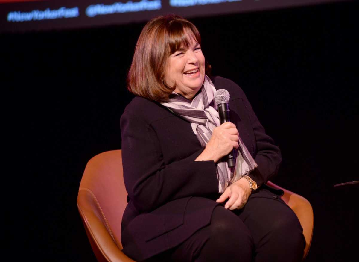 Ina Garten s'exprime sur scène lors d'une conférence avec Helen Rosner au New Yorker Festival 2019