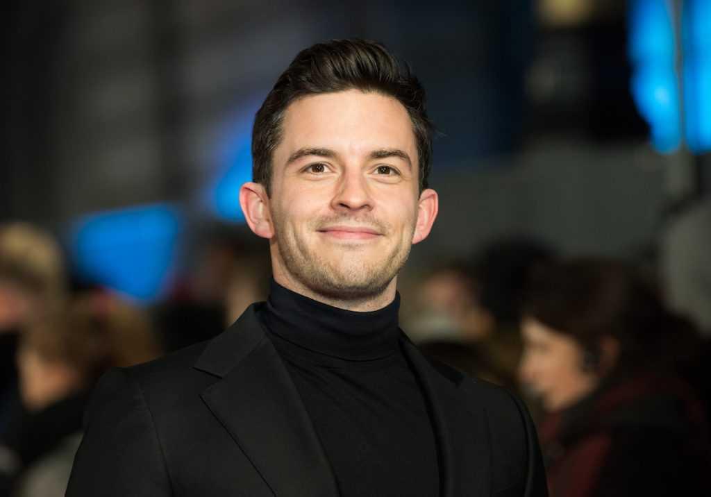Jonathan Bailey assiste à la première mondiale de 'The Mercy' au Curzon Mayfair le 6 février 2018 à Londres, en Angleterre.