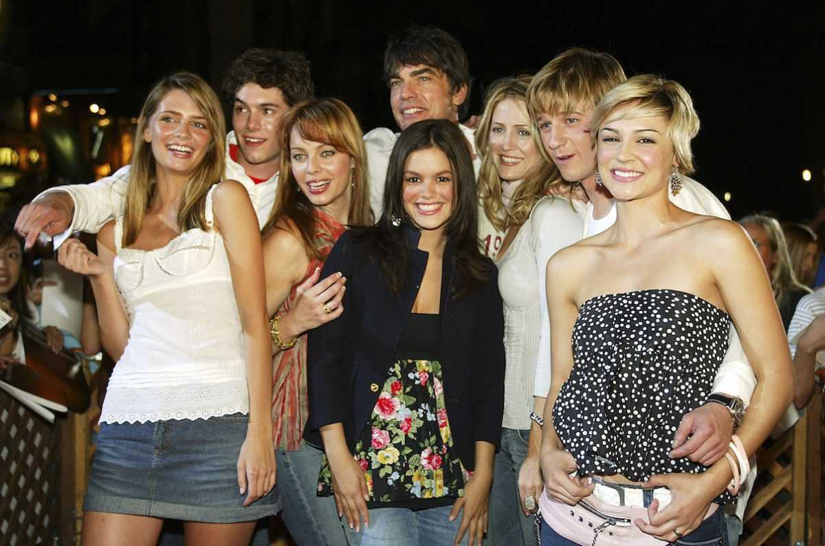 Le casting de 'The OC' lors d'une soirée de visionnage en 2003