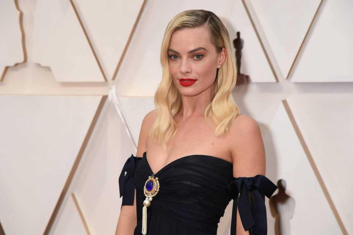 Margot Robbie assiste à la 92ème cérémonie des Oscars à Hollywood et Highland le 09 février 2020 à Hollywood, Californie.