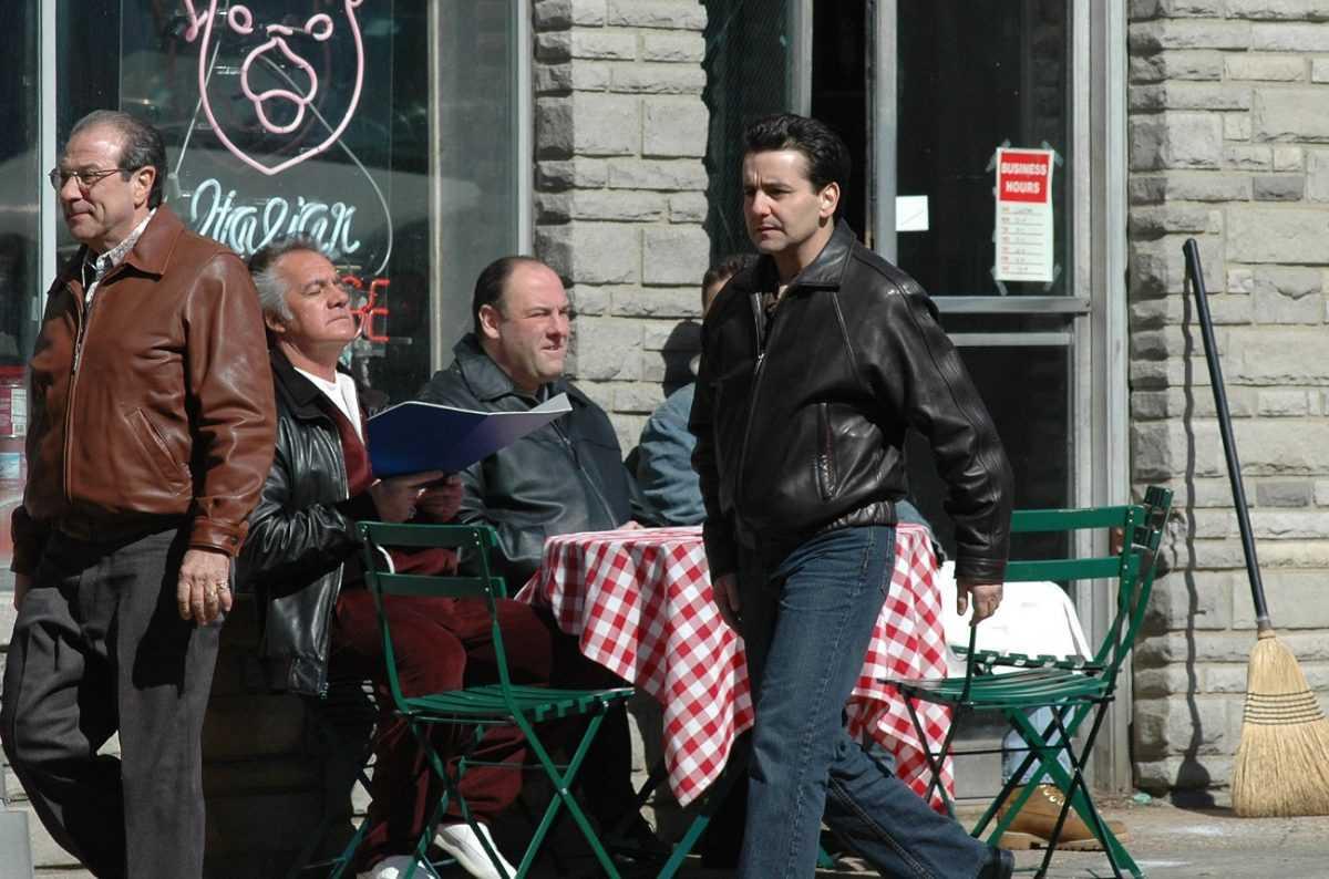 Max Casella sur le plateau de 'Sopranos'