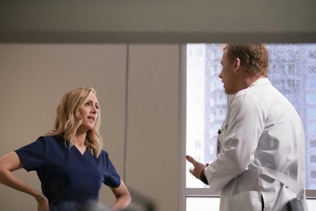 Les fans de «Grey's Anatomy» sont «furieux» avec Teddy;  «Certaines informations n'ont pas besoin d'être partagées»