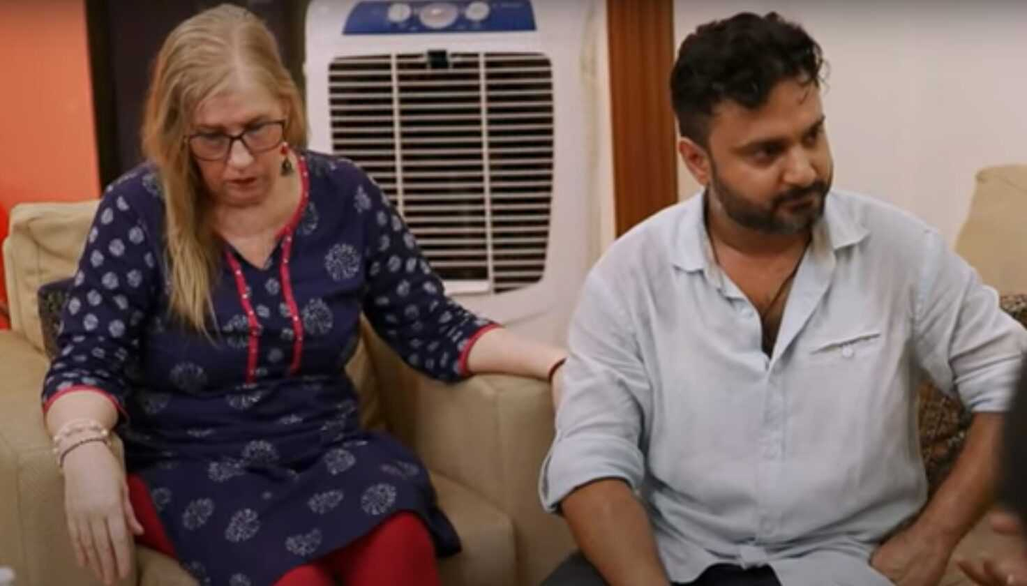 Jenny and Sumit sit with his parents on 90 Day Fiancé: The Other Way