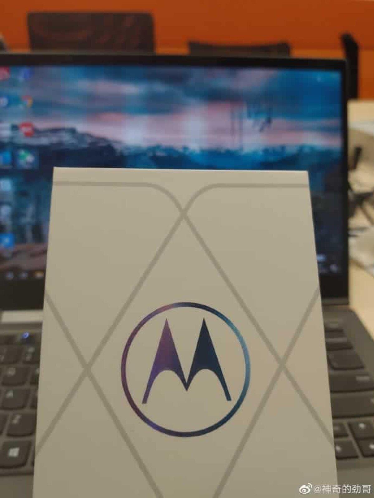 Mobile Motorola avec Snapdragon 888.
