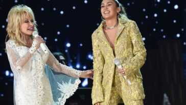 Dolly Parton (L) and Miley Cyrus perform onstage during the 61st Annual GRAMMY Awards on February 10, 2019 in Los Angeles, California.