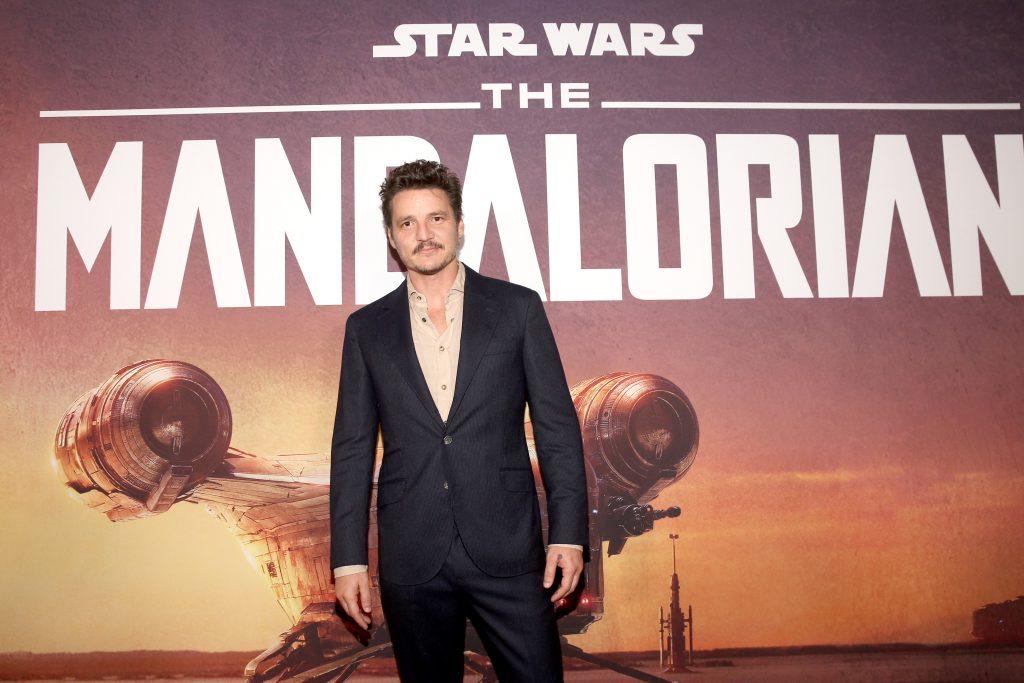 Pedro Pascal arrive à la première de 'The Mandalorian'