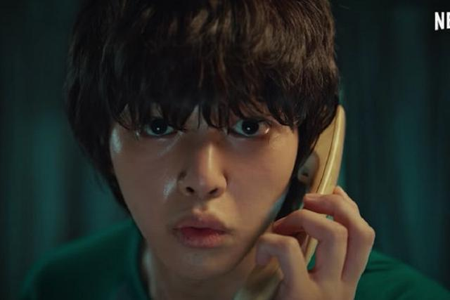 "Song Kang joue Cha Hyun-soo dans ""Sweet Home"" (Photo: Netflix)"