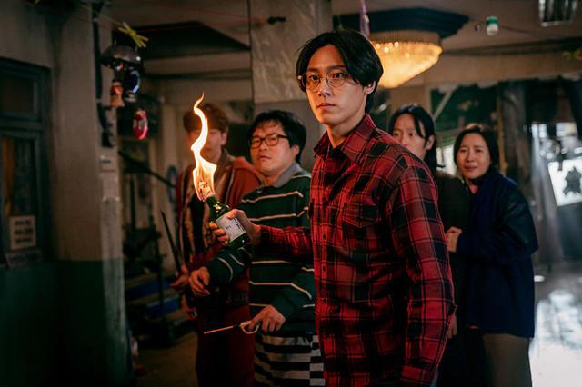 Eun-hyuk voulait juste assurer la sécurité du groupe (Photo: Netflix)