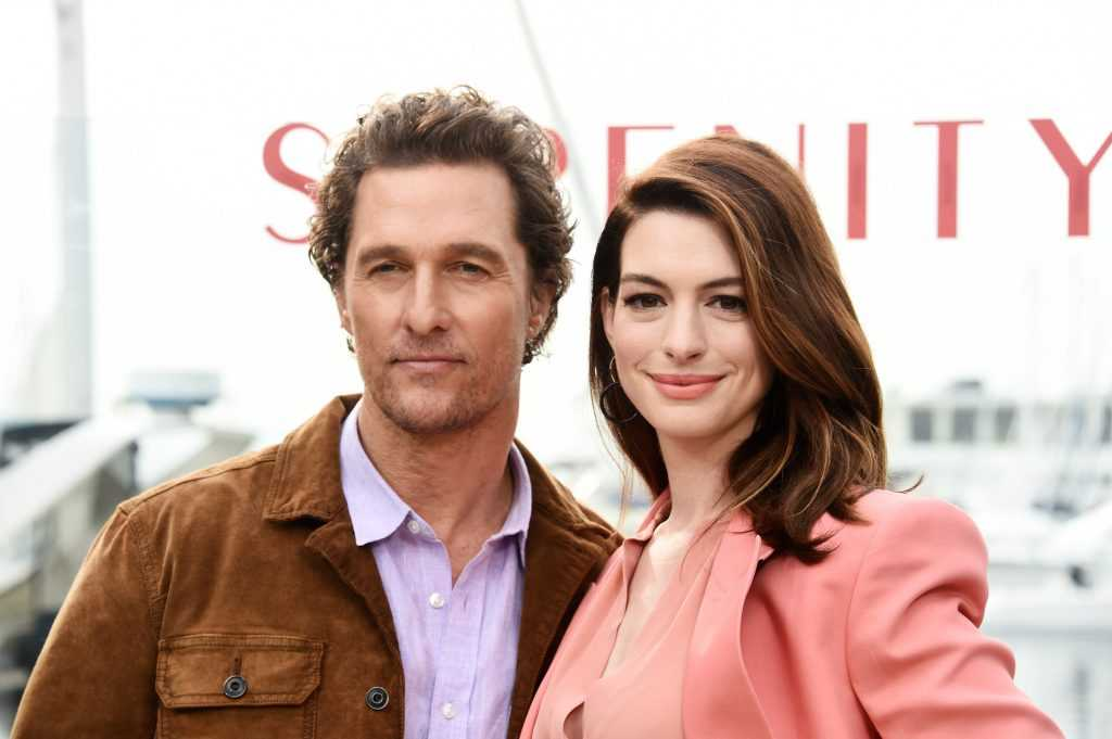 Matthew McConaughey et Anne Hathaway assistent à l'appel photo `` Serenity '' d'Aviron Pictures