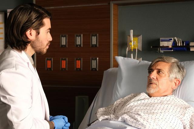 """Asher Wolk a perdu son premier patient dans la saison 4 de """"The Good Doctor"""" (Photo: ABC)"""