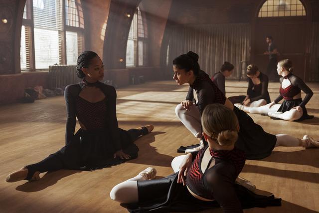 Les problèmes parmi les étudiants en ballet ne sont pas encore terminés (Photo: Tiny Pretty Things / Netflix)