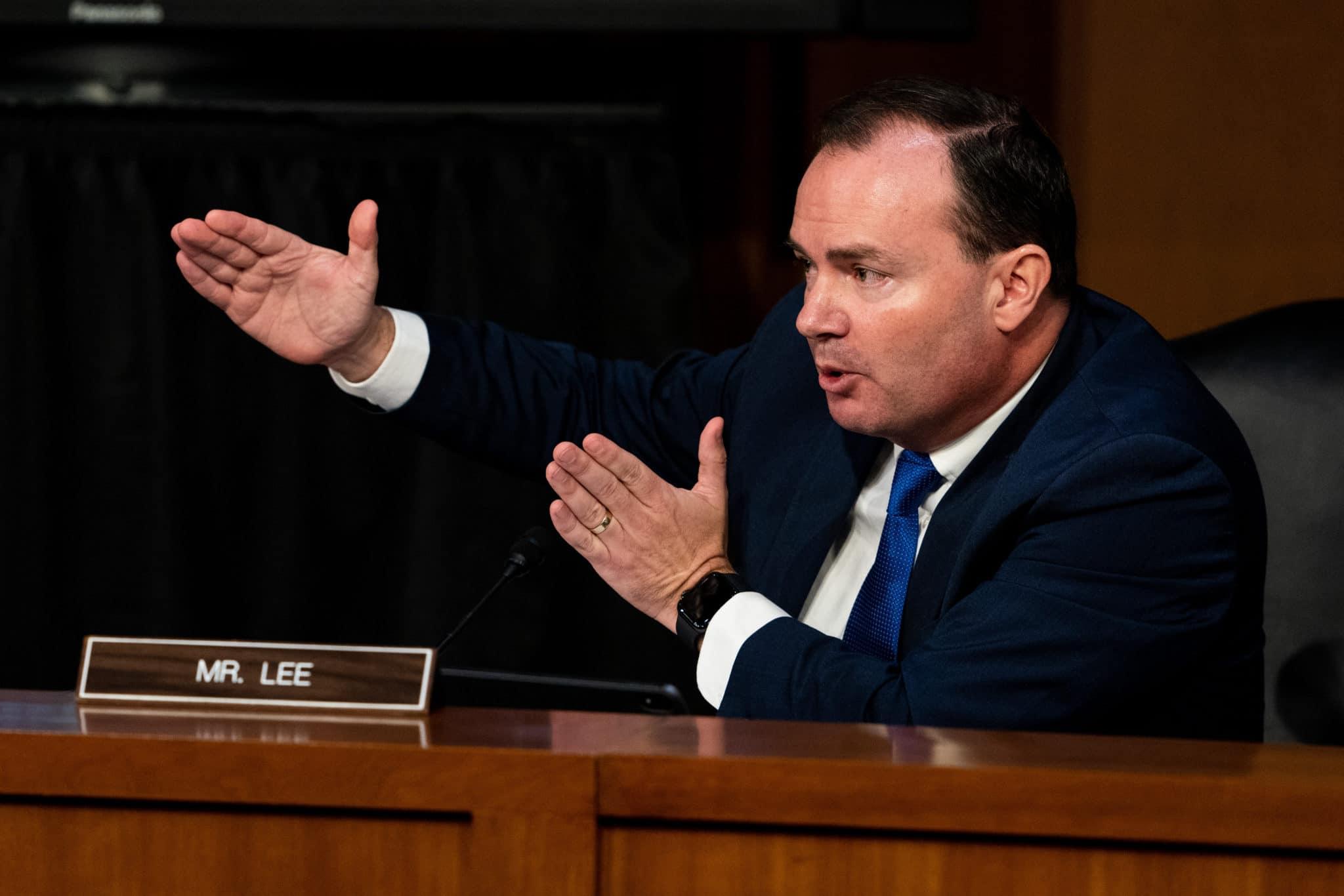 Le sénateur Mike Lee de l'Utah, un fervent opposant aux droits LGBT +