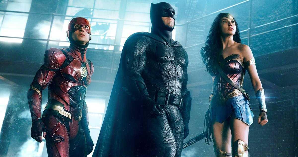 Wonder Woman Est La Colle Qui Contient La Mini Série Justice