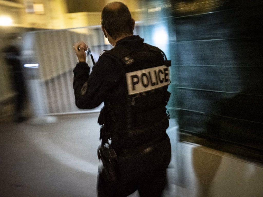 La Police Française évacue Une Longue Fête Du Nouvel An