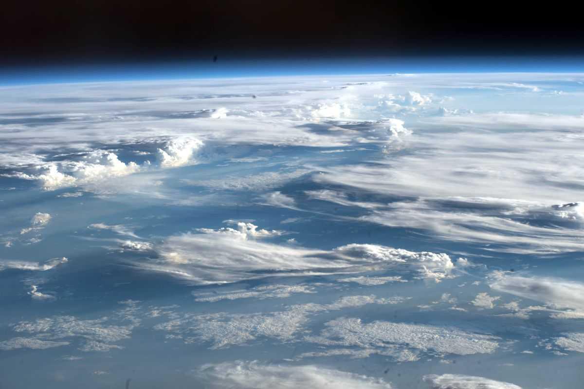 L'atmosphère Terrestre Est Pleine De Microbes. Pourraient Ils Nous Aider à