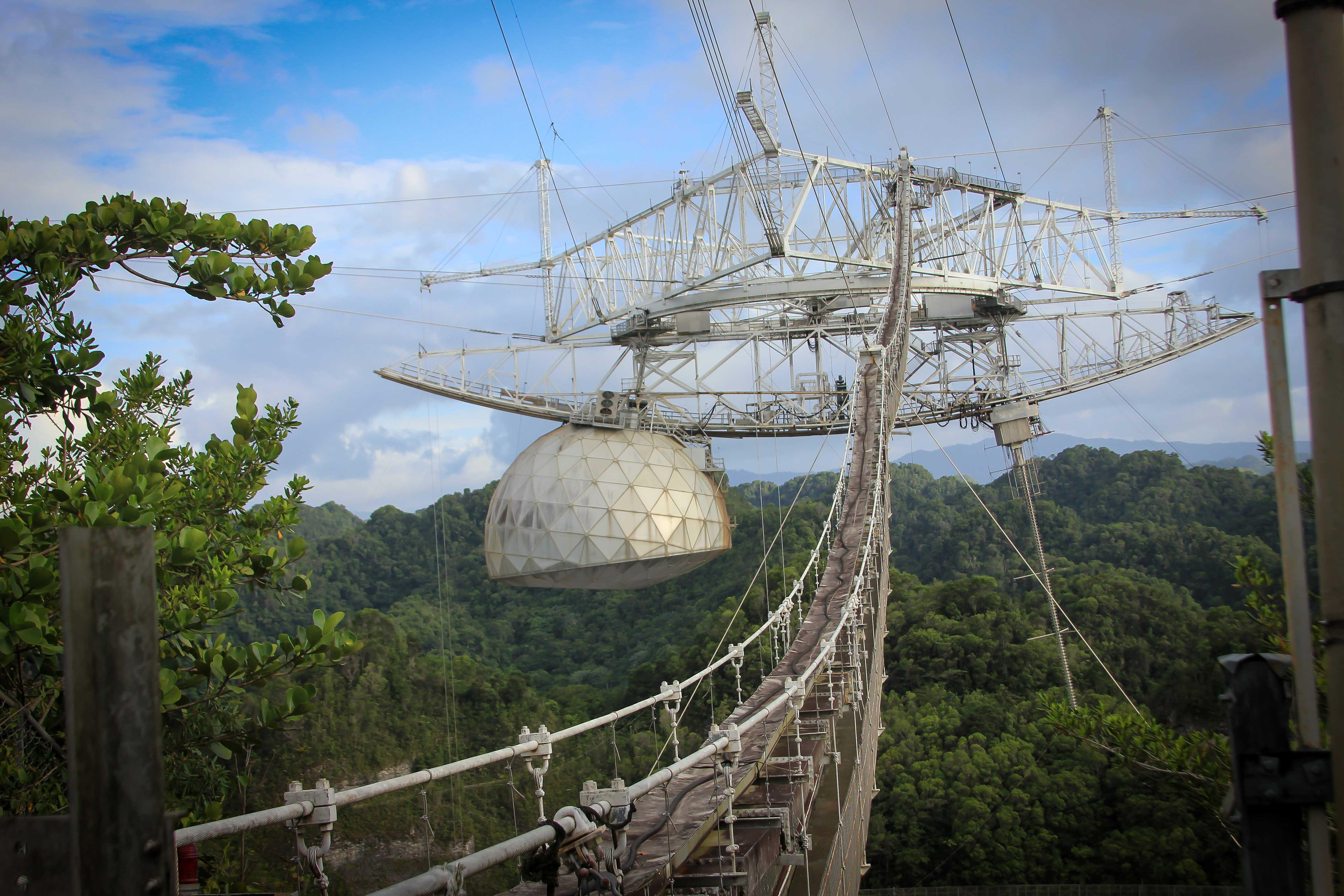 Dommages à l'observatoire arecibo