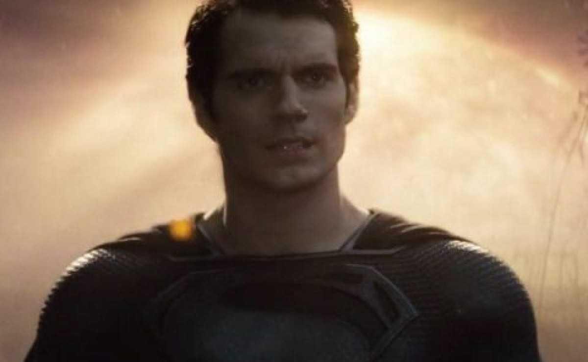 Justice League: Zack Snyder explique le costume noir de Superman