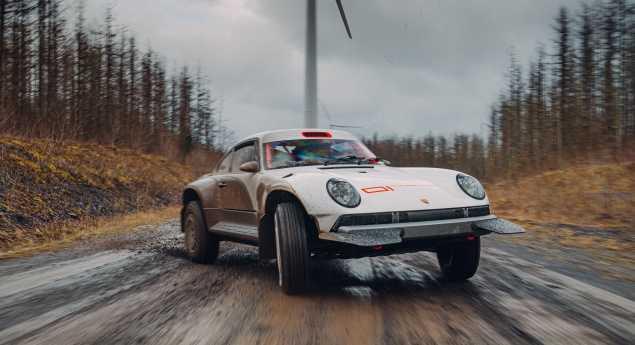 La Porsche 911 Historique Transformée Pour La Course Hors Route