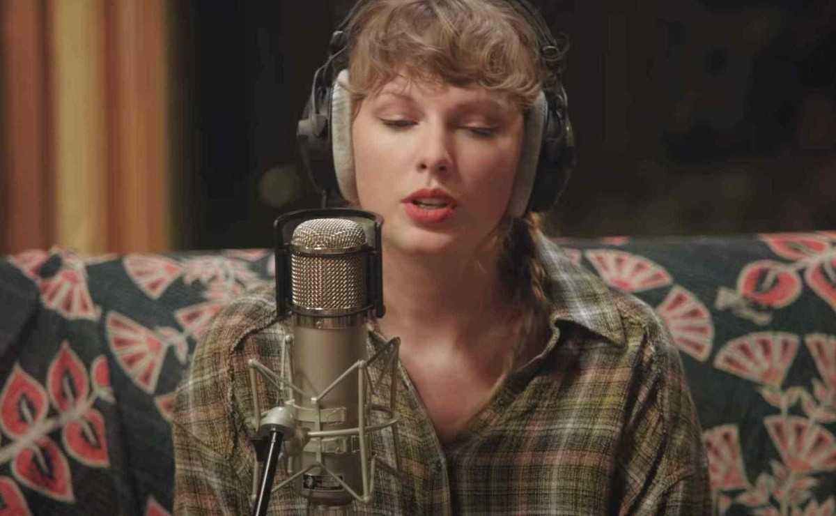 """Taylor Swift bat le record de """"l'album le plus vendu de l'année"""""""