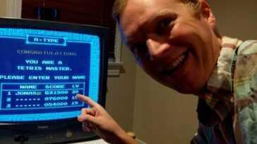 """Le champion de """"Tetris"""" Jonas Neubauer à 39 ans"""